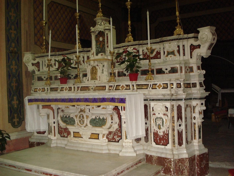 altare maggiore Strongoli