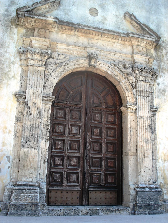 Belcastro cattedrale Portale centrale