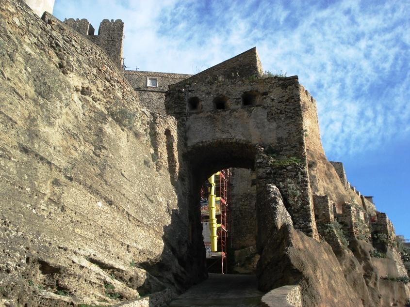 Porta Santa Severina