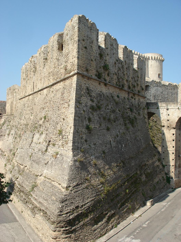 baluardo castello Santa Severina