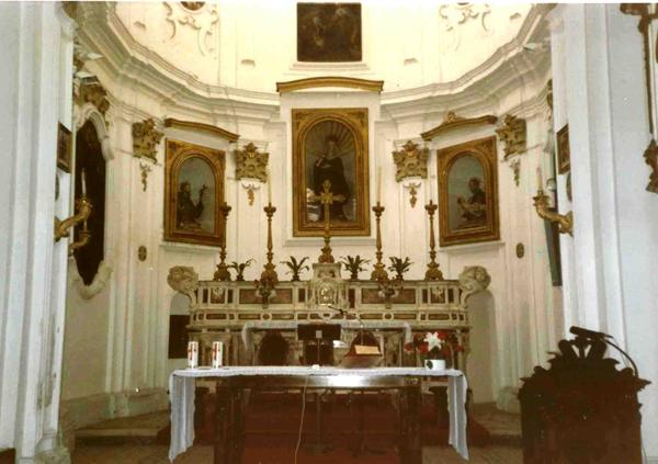 Crotone. Monastero delle Clarisse. Altare maggiore