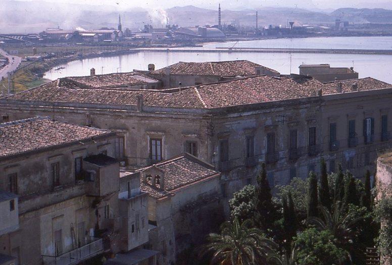 Il palazzo e la chiesa del SS. Salvatore