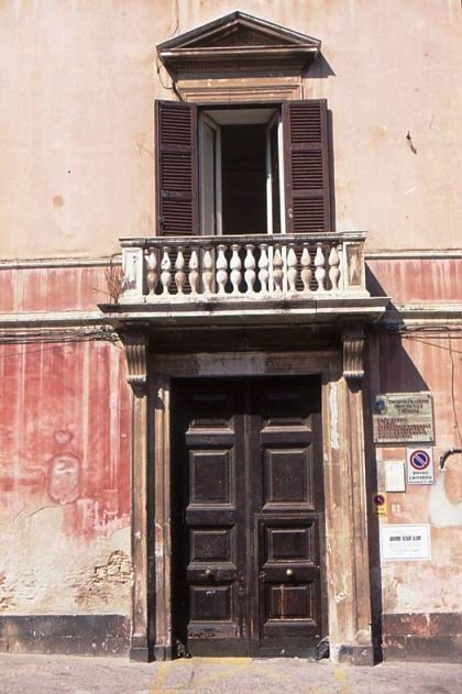 Portale palazzo Albani Crotone