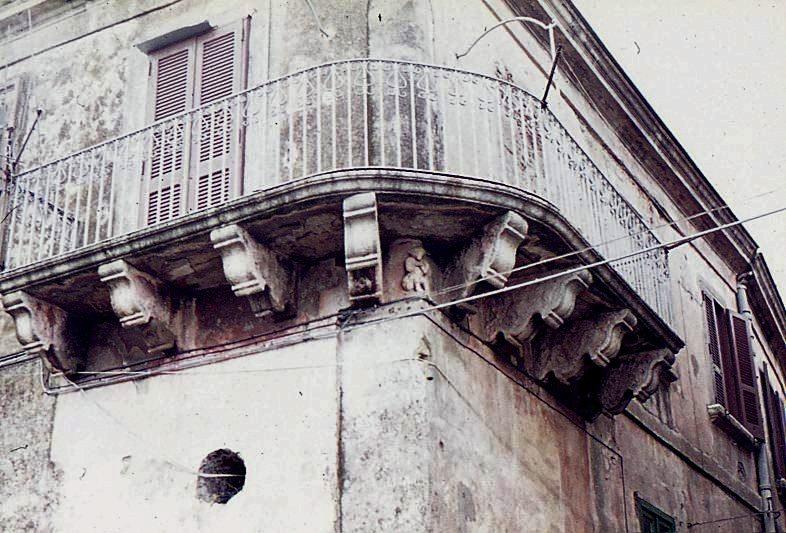 crotone palazzo ayerbis aragona703