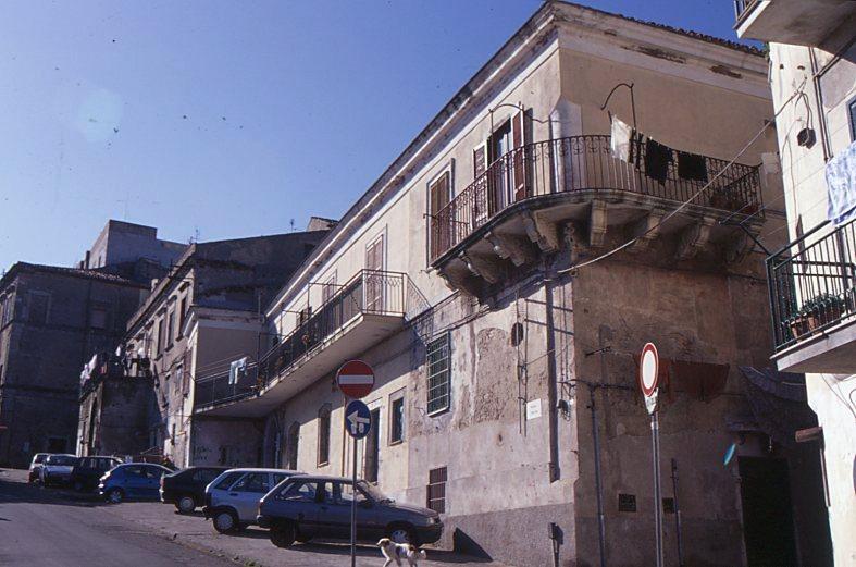 crotone palazzo ayerbis aragona705