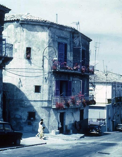 crotone palazzo cariati711