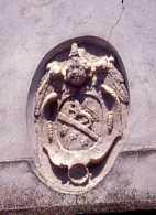 Foto n. 2 Dia 359 Stemma Campitelli su portone chiesa S.Giacomo