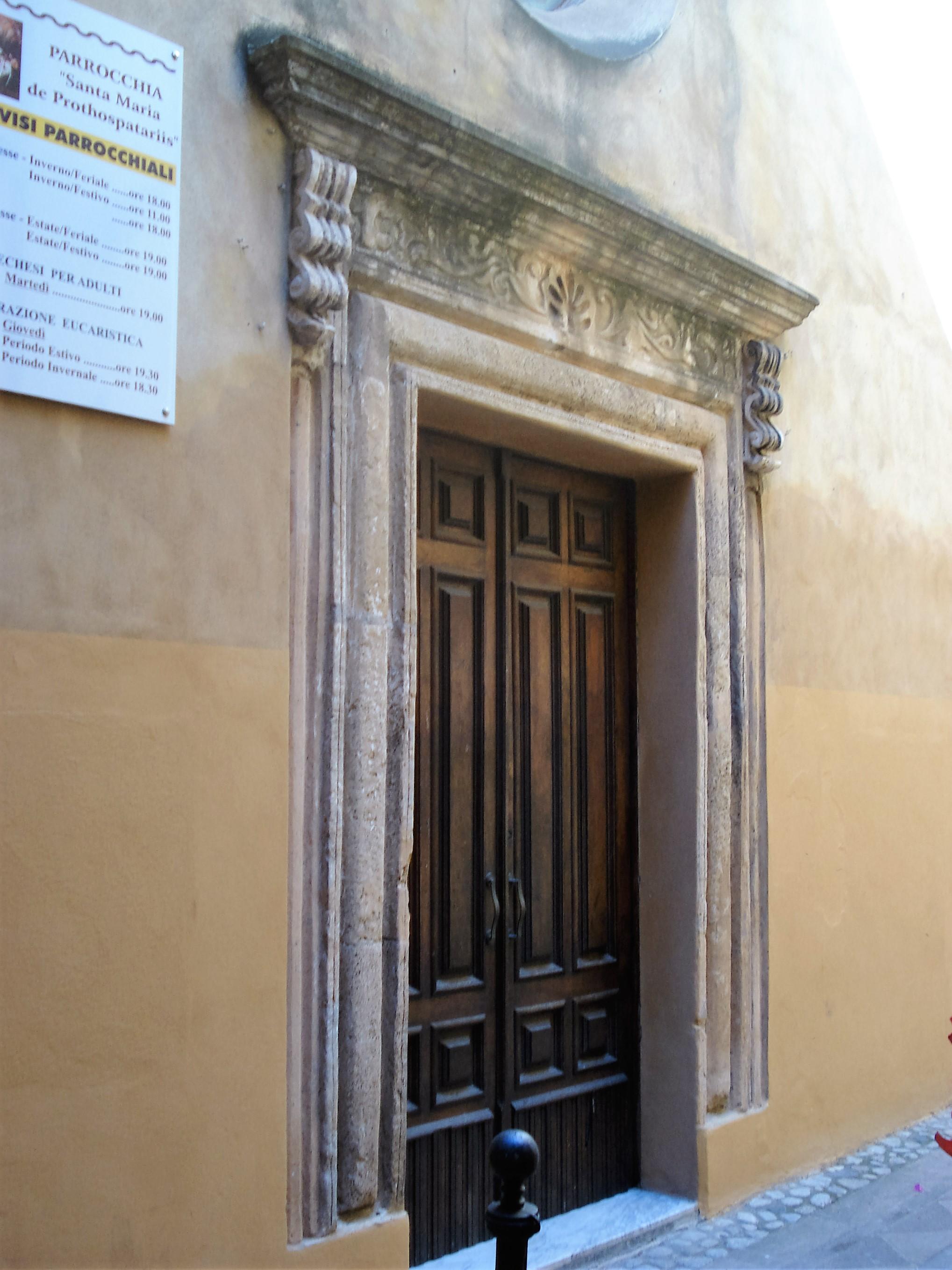 portale della chiesa di Santa Maria
