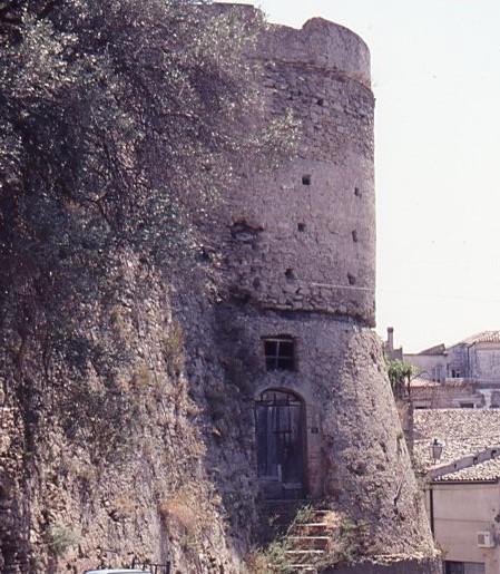 cirò torre del castello